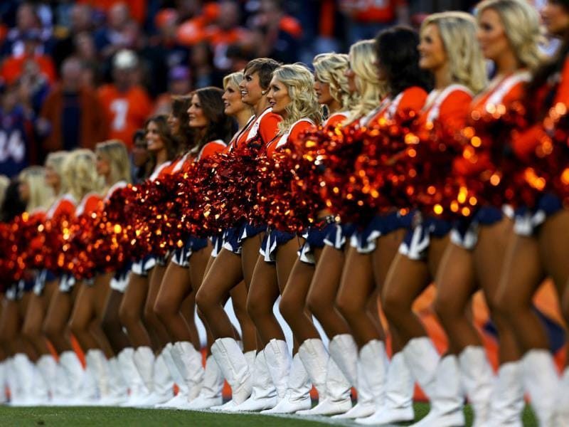 The Denver Broncos cheerleaders perform against the Oakland Raiders at Sports Authority Field at Mile High in Denver, Colorado. (AFP photo)