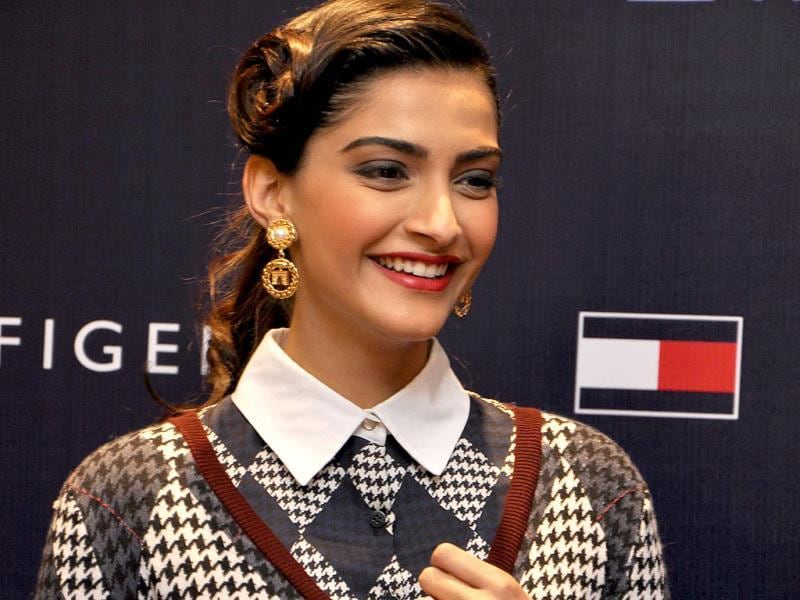 Bollywood diva Sonam Kapoor looked her stylist best at the launch of Fall Holiday '13 collection. Tommy Hilfiger hosted the high fashion event that was graced by the Bollywood beauty