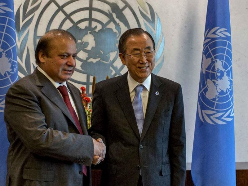 United Nations secretary-general Ban Ki-moon (R) greets Pakistani Prime Minister Nawaz Sharif during the UN General Assembly at UN headquarters in New York. (Reuters Photo)