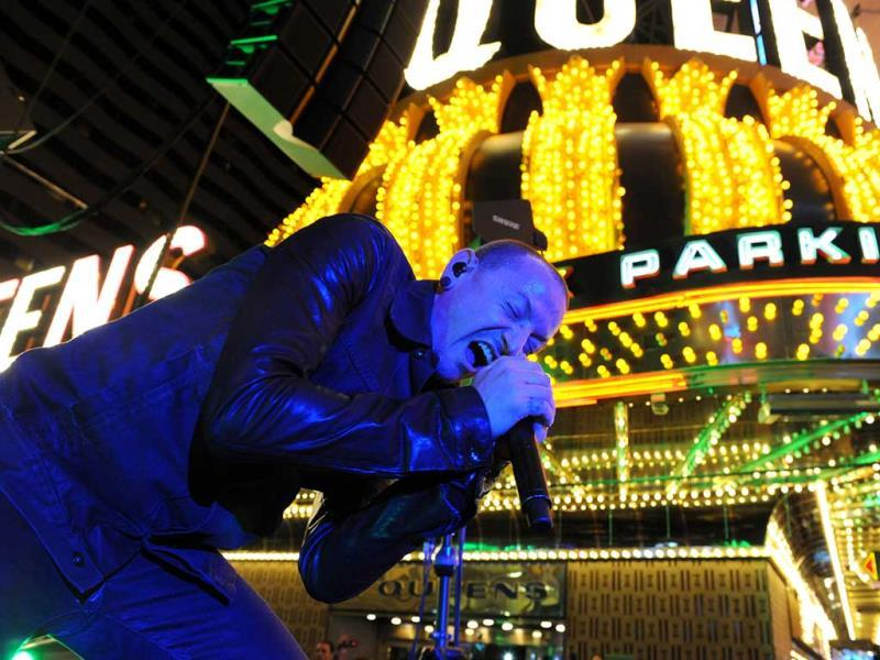 Stone Temple Pilots frontman Chester Bennington performs on the Fremont Street Experience in downtown Las Vegas. (AP Photo)