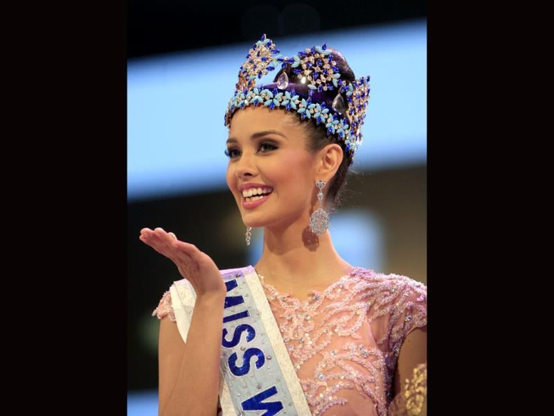 Newly crowned Miss World Megan Young of the Philippines, smiles after winning the Miss World contest, in Nusa Dua, Bali, Indonesia. (AP Photo)
