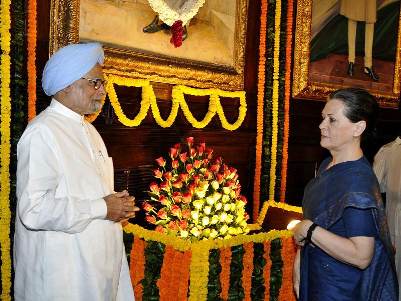 Congress president Sonia Gandhi and Prime Minister Manmohan Singh at a function to pay tributes to Mahatma Gandhi and Lal Bahadur Shastri on the occasion of their birth anniversaries at Parliament in New Delhi. (Sonu Mehta/HT)