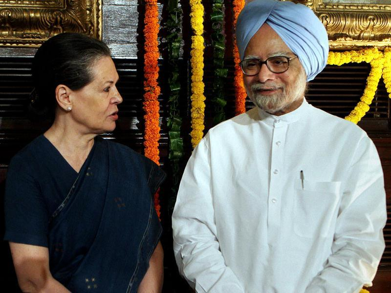 Prime Minister Manmohan Singh and Congress president Sonia Gandhi pay tributes to Mahatma Gandhi and Lal Bahadur Shastri on their birth anniversaries in New Delhi. (PTI Photo)