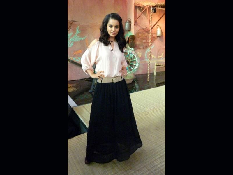 Kangna Ranaut poses for the shutter bugs.