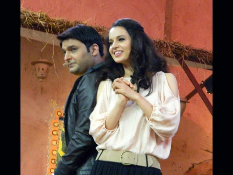 Kangna Ranaut and Kapil Sharma shared some funnily memorable moments on the sets of Comedy Nights with Kapil when the actress came to the TV show to promote her film Rajjo. Browse through