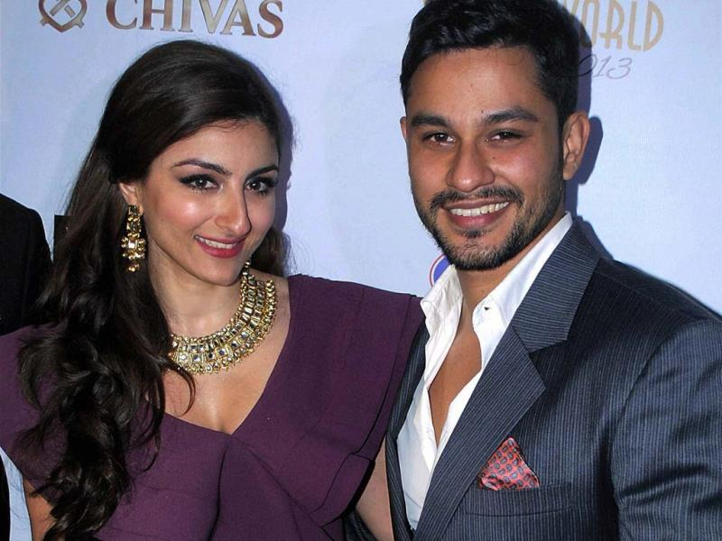 Bollywood actors Kunal Khemu and Soha Ali Khan at an event in Gurgaon on Friday night. (PTI Photo)
