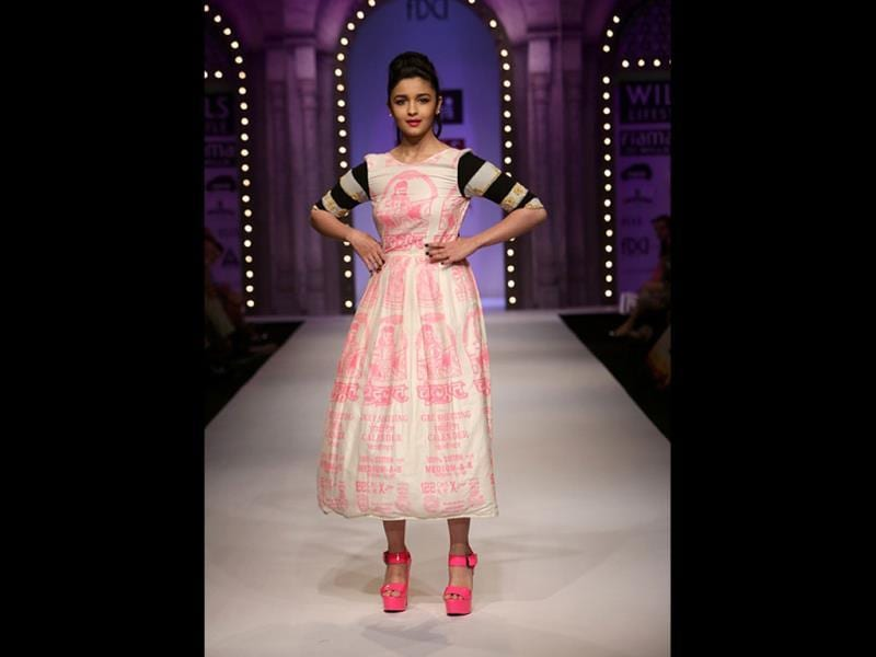 Peppy Alia Bhatt in a Masaba outfit!