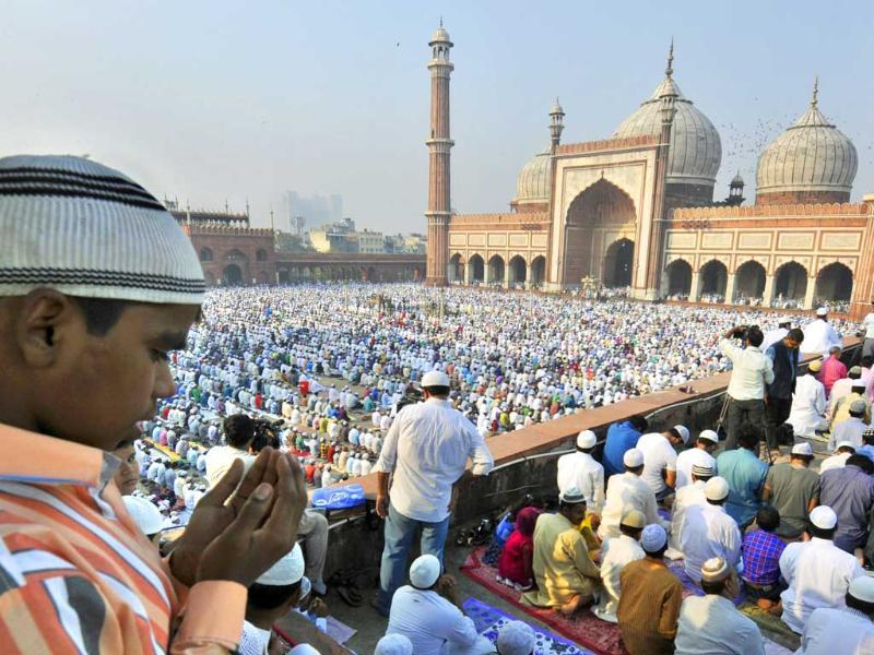 People offering namaj on the occassion of Eid-al-Adha at Jama Masjid in New Delhi. ( Photo by Sushil Kumar/Hindustan Times)
