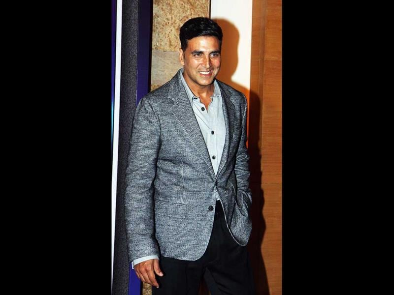 Actor Akshay Kumar attends the first 'Yash Chopra Memorial Awards' ceremony in Mumbai on October 19, 2013. (AFP Photo)