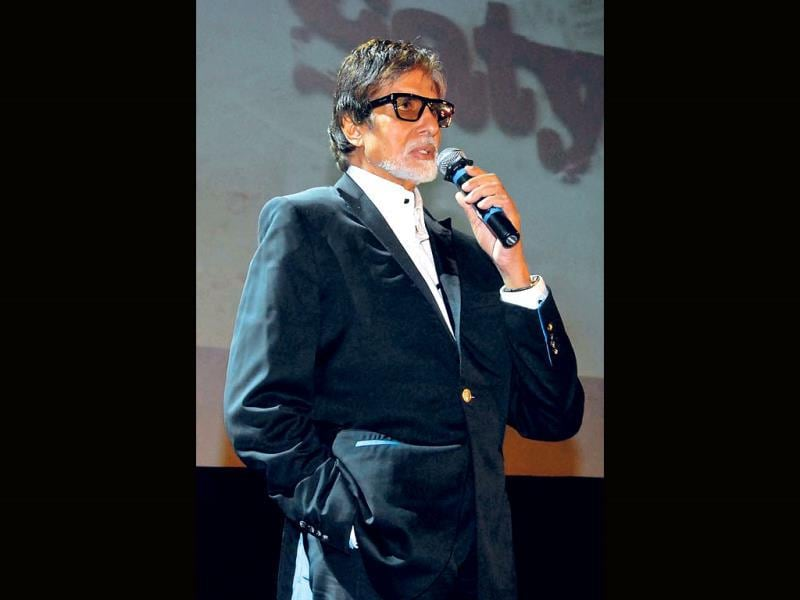 Amitabh Bachchan's praise for Ram Gopal Varma's Satya 2 has created some buzz for the movie that is set to release this Friday. RGV hosted a theme party recently. Big B tweeted after the event,