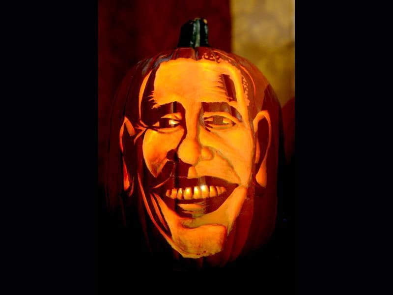 Pumpkin representing US President Barack Obama on display at Madame Tussauds ahead of Halloween in New York. (AFP Photo)