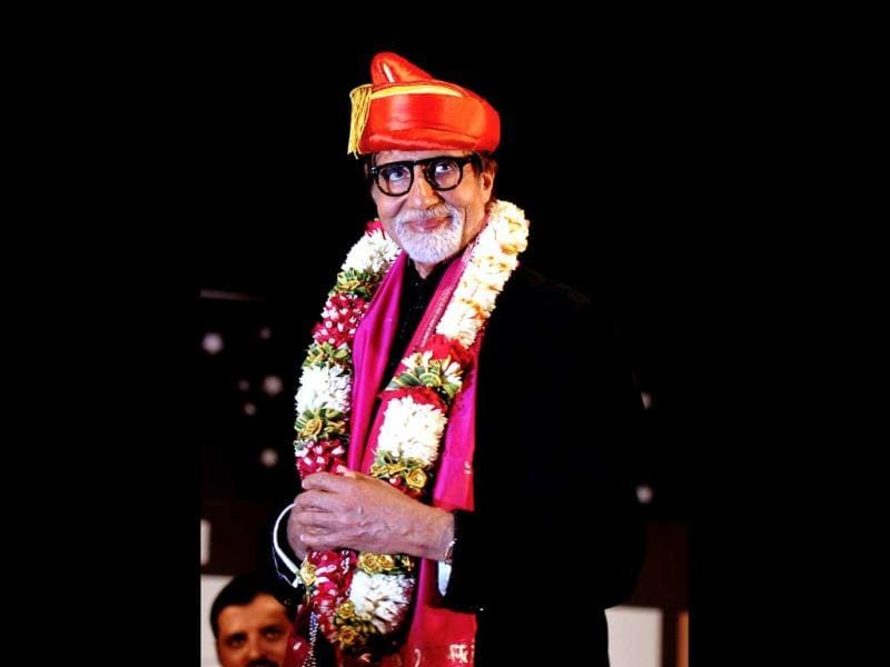 Amitabh Bachchan at the 'Pandit Hridaynath Mangeshkar Awards' on the occasion of the 76th birthday celebration of Hindi and Marathi music composer and singer Pandit Hridaynath Mangeshkar and the 24th anniversary of Hridaynath Arts in Mumbai. (AFP Photo)
