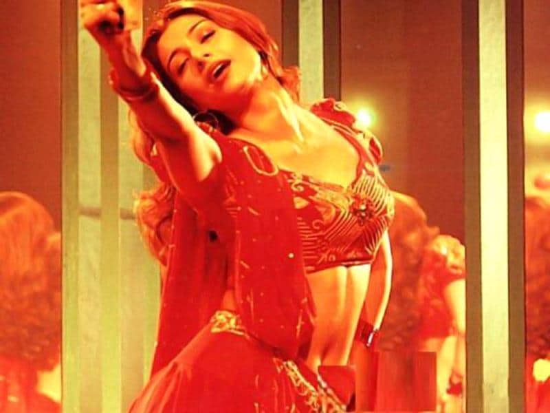 Madhur Bhandarkar's Chandni Bar is easily one of the best performances Tabu has given. Her stellar act got her the National Film Award for Best Actress.