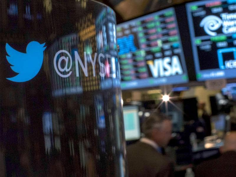 The Twitter logo is displayed on the floor of the New York Stock Exchange a day before the company's IPO. (Reuters photo)