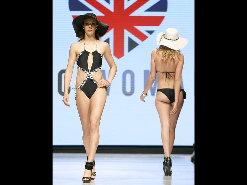 Models wear creations by Peru's ETC Women during Lima Fashion Week Spring/Summer collections in Lima, Peru. (AP photo)