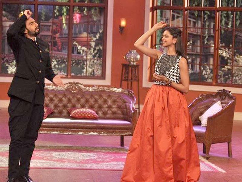 Deepika and Ranveer show a few dance moves on the show.
