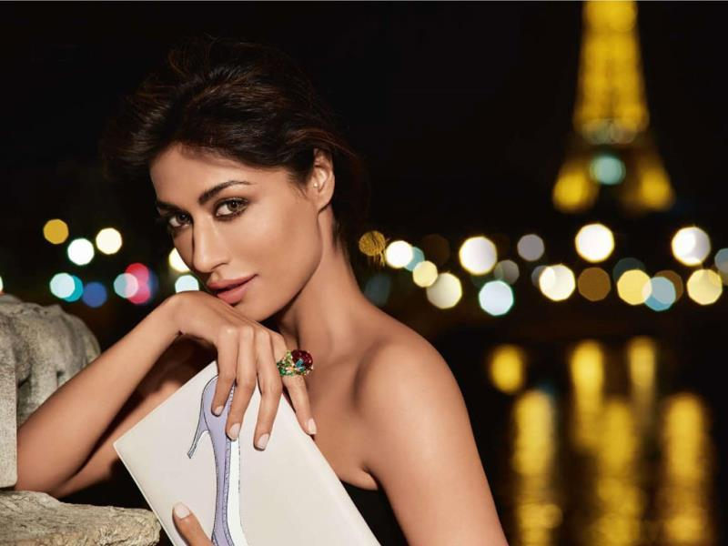 Known for style and sizzle factor, Chitrangada Singh looks picture perfect as she poses for the shutterbugs. We caught up with the actress while she was on a visit to Delhi. Browse through for more.