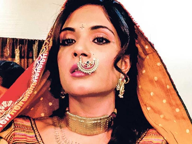 Richa Chaddha who plays an important role in Ram-leela is also seen wearing a nosering in the film.