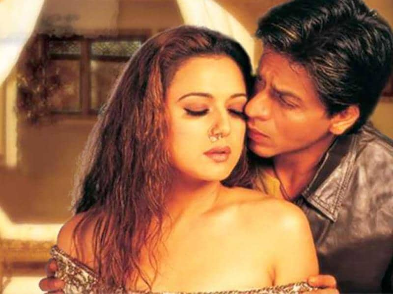 In Veer Zaara, Preity Zinta plays an independent, carefree, and bubbly young Pakistani girl travelling to India. The nosering goes well with her character.