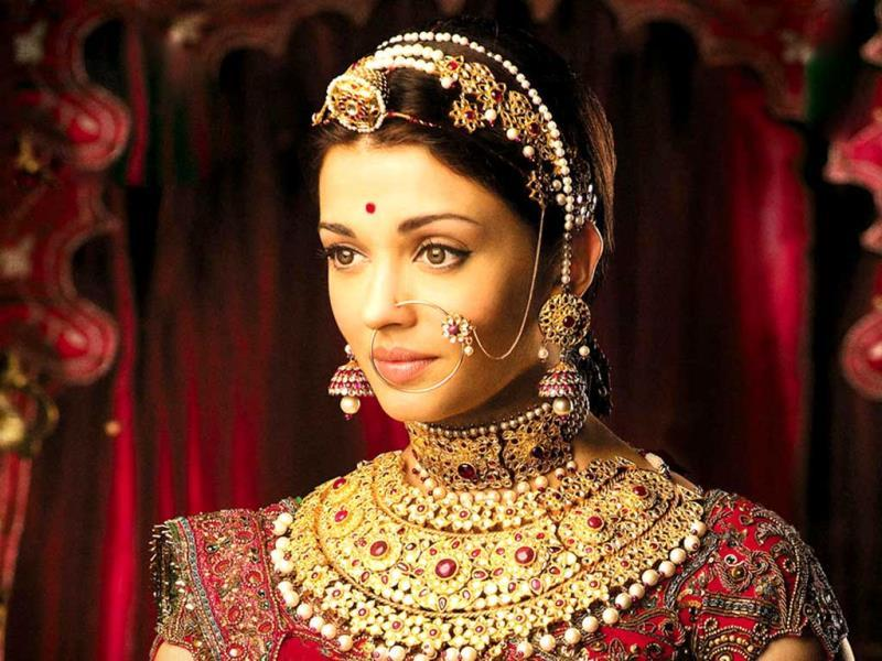 The nosering completes the royal look of Jodha (played by Aishwarya Rai) in the film Jodha Akbar.
