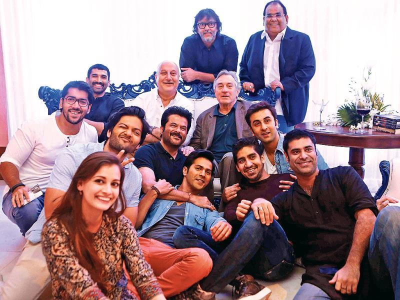 An entourage of actors including Anil Kapoor, Ranbir Kapoor, Aditya Roy Kapoor, Varun Dhawan, directors Rakyesh Om Prakash Mehra, Ayan Mukerji, and several others got a chance to spend an evening with their 'God' Robert De Niro.