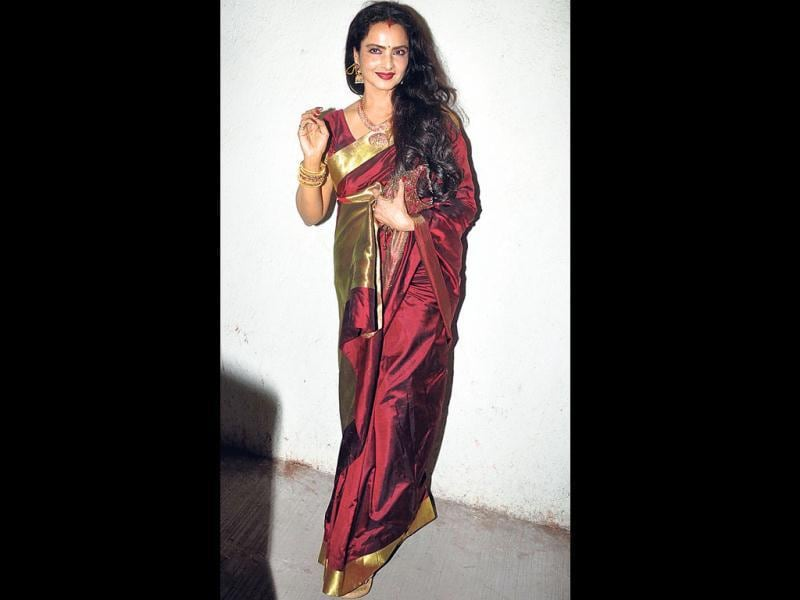 Rekha looked dapper in her signature sari at the Ram-Leela premiere.