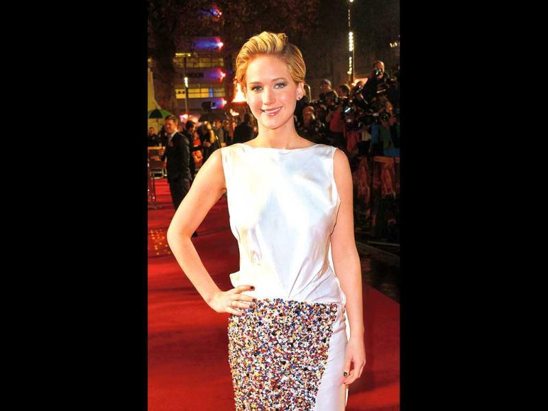 Jennifer Lawrence, not known to experiment much with her hair, was spotted with a pixie cut at the premiere of her upcoming film, The Hunger Games: Catching Fire. She later clarified that it wasn't for the movie.