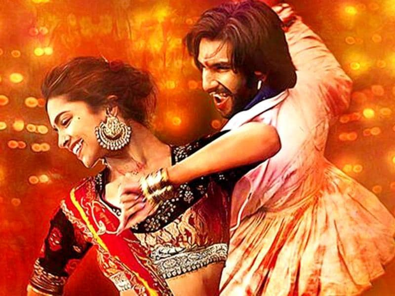 Goliyon Ki Rasleela: Ram-leela (2013): Love and enmity go hand on hand in this Sanjay Leela Bhansali offering as the lead pair Deepika Padukone and Ranveer Singh literally indulge in gun-trotting romance. The climax is to watch out for!