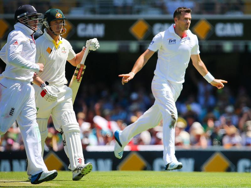England bowler Stuart Broad celebrates the wicket of Australian batsman George Bailey during day one of the first Ashes cricket Test match between England and Australia at the Gabba Cricket Ground in Brisbane. (AFP photo)
