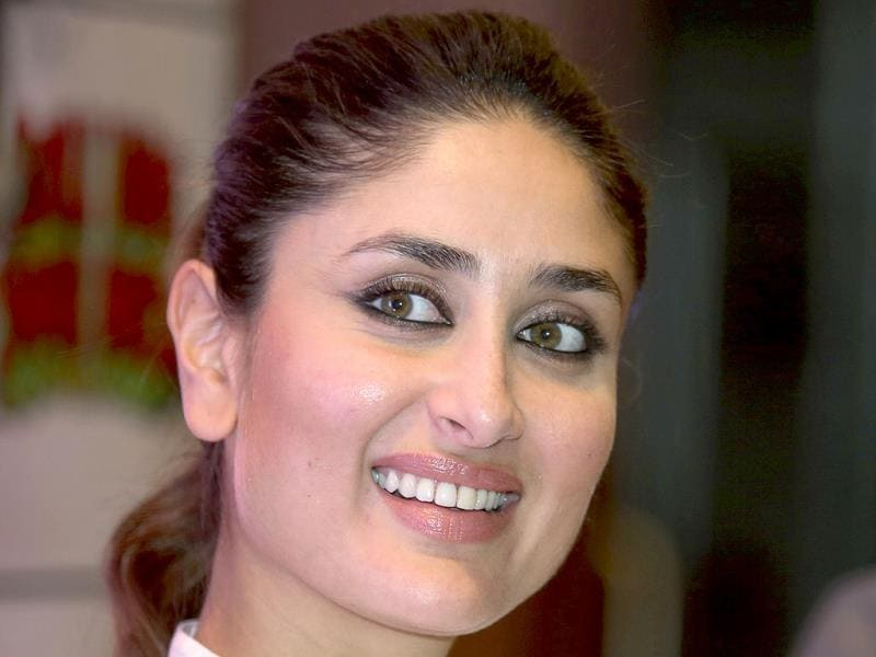 Kareena Kapoor Khan was seen promoting her movie Gori Tere Pyaar Mein in Bangalore. The film releases on November 22.