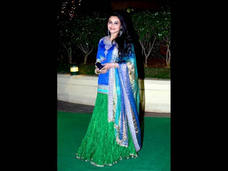 Rani Mukherji made a colourful statement at Vishesh Bhatt's reception.
