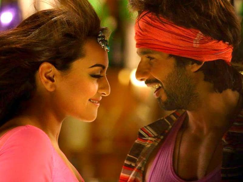 Sonakshi Sinha has reportedly performed some action scenes in R...Rajkumar.