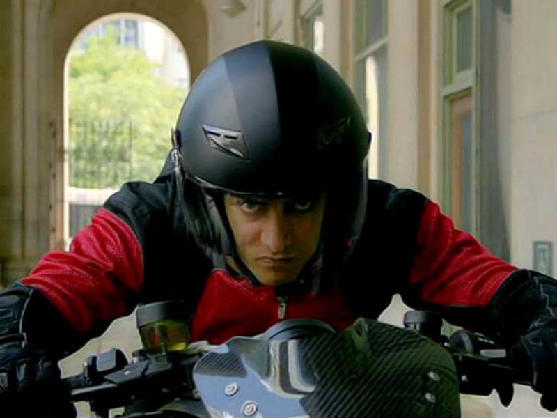 Aamir performs some dangerous stunts for Dhoom:3.
