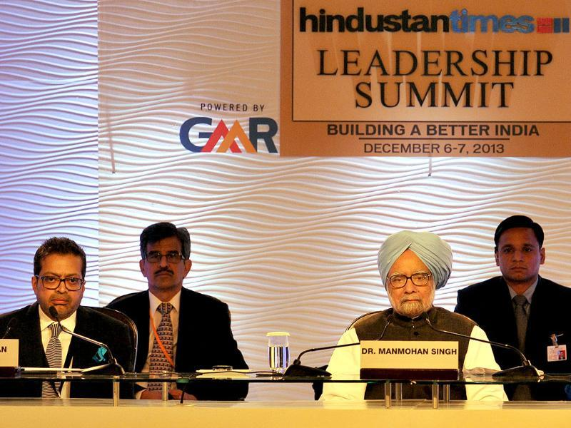 Prime Minister Manmohan Singh and Hindustan Times editor-in-chief Sanjoy Narayan at the Hindustan Times Leadership Summit. (Photo by Gurpreet Singh/ HT Photo)