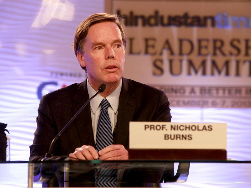 Professor, columnist and former American diplomat R Nicholas Burns addressing delegates at the summit. (Kalpak Pathak/ HT Photo)