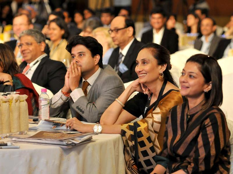 Shobhana Bhartia, chairperson and editorial director of the Hindustan Times Group, union minister Jyotiraditya Scindia with others at the summit. (Gurpreet Singh/ HT Photo)