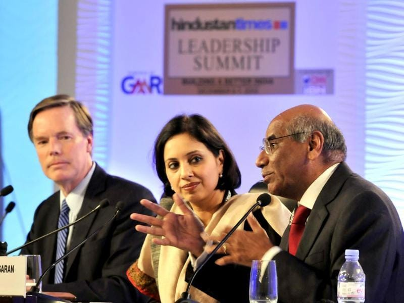 Shyam Saran, former foreign secretary and Professor of Harvard Diplomacy, Nicholas Burns at the session titled 'Catching up with the dragon' at the Hindustan Times Leadership Summit. (Mohd Zakir/ HT Photo)
