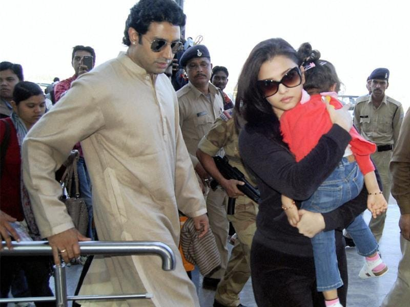 Aishwarya Rai and Abhishek Bachchan, along with their two-year old daughter Aaradhya, were clicked while returning back to Mumbai after attending a marriage function in Bhopal.