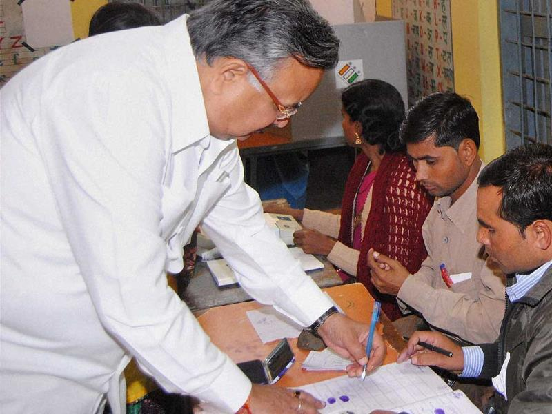 Chhattisgarh chief minister Raman Singh casts his vote at polling station at Kawardha during the 2nd phase of state Assembly elections. (PTI)