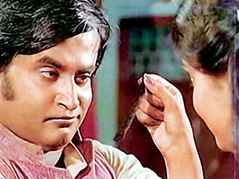 Thillu Mullu (1981): It is a remake of Amol Palekar's Gol Maal. The film was directed by K Balachander.