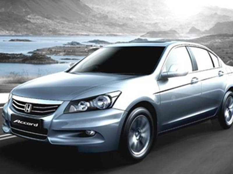 Honda & Volkswagen discontinue the Accord & Passat respectively