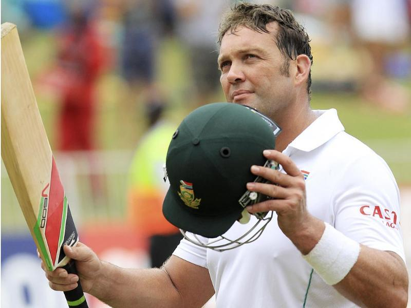 South Africa's batsman Jacques Kallis waves his bat on Day 4 of the Test match against India. (AP)