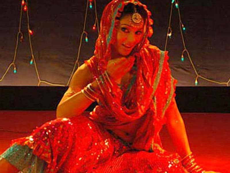 Vishal Bhardwaj's Omkara (2006) was one of the most important films of Bipasha's film career. Her dance numbers Namak Ishq Ka and Beedi Jalaile were widely aprreciated.