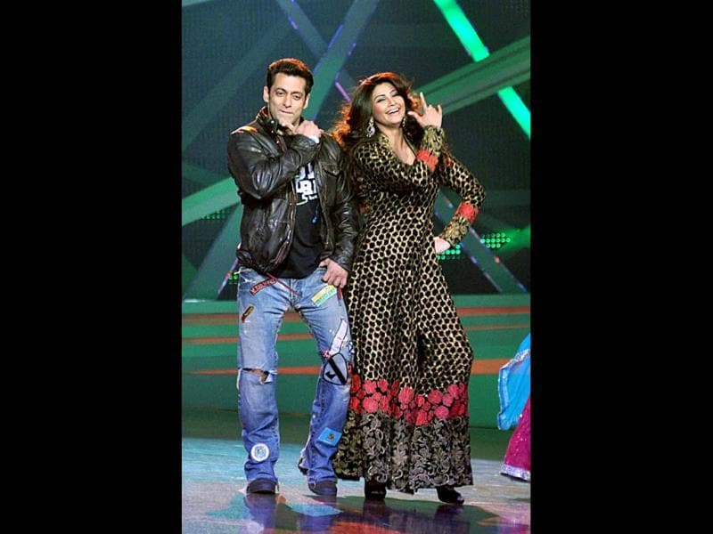 Salman Khan and Daisy Shah perform on the sets of Nach Baliye 6 to promote their film Jai Ho in Mumbai on January 8. Browse through (PTI Photo)
