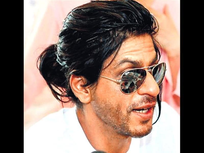 Ponytails and undercuts are passé. If frequent hair trims during winter daunt you, a man bun (or mun) is the way to stylishly pull back your hair. Actor Shah Rukh Khan has flaunted a mun in the past, but our desi celebs are yet to master the man bun. Stars in the rest of the world are far more adventurous though. Take a look.