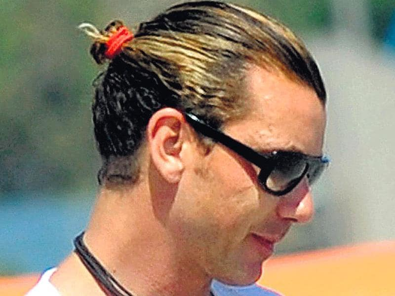 Singer Gavin Rossdale is the poster boy for this hair do.