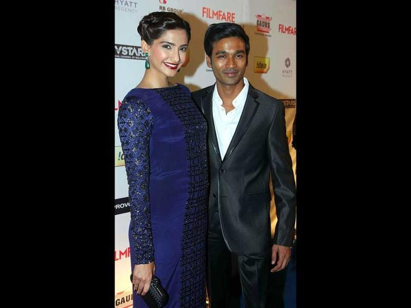 Posing with the Raanjhana: Sonam Kapoor and Dhanush.