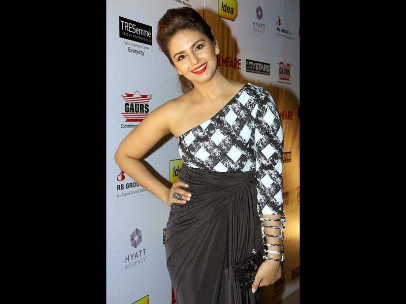 Huma Qureshi is all smiles as she poses for the shutterbugs.