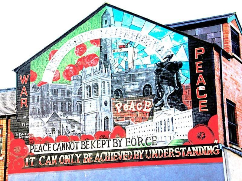 The International Wall of Falls Road has many murals which refer to the troubles in other countries like Israel and Cuba, as Belfast residents felt that they could relate to them. Text and Photo by Kalpana Sunder