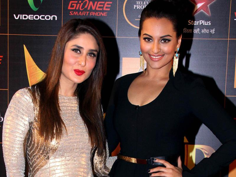 Bonding time! Kareena and Sonakshi pose together. (AFP)